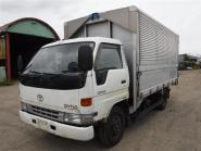 Used truck TOYOTA